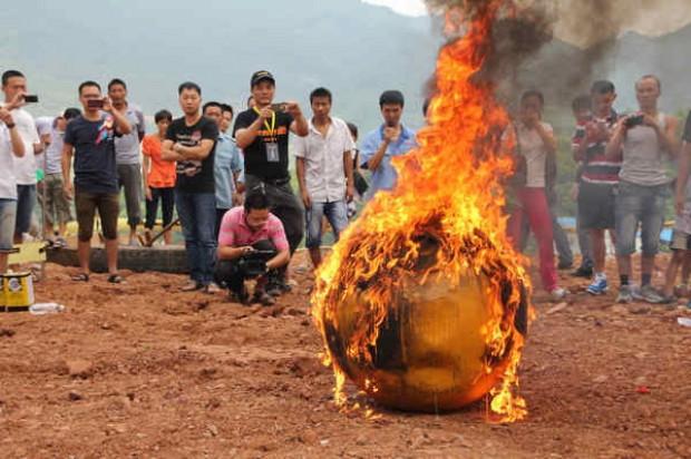 Yang-Zongfu-per-costruire-la-sua-personale-Arca-di-Noe-in-grado-di-resistere-ad-ogni-tipo-di-calamità-naturale.jpg04