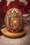 __OU_012_ornamental-easter-egg-made-of-real-chicken-egg